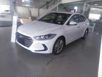 Hyundai Elantra 2018 Số sàn