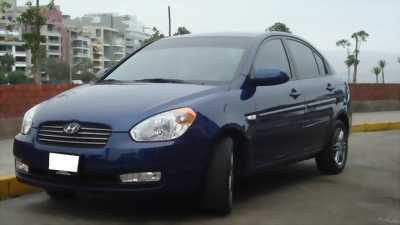 Cần bán xe Hyundai Accent đời 2010 giá rẻ