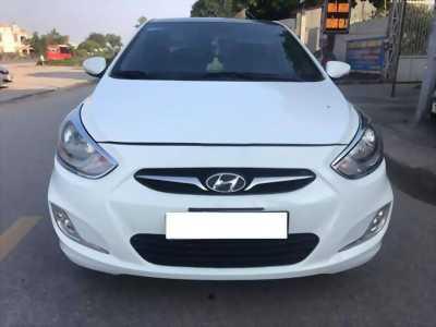 Bán xe Huyndai Accent 2012,màu trắng số sàn. Xe cọp zin