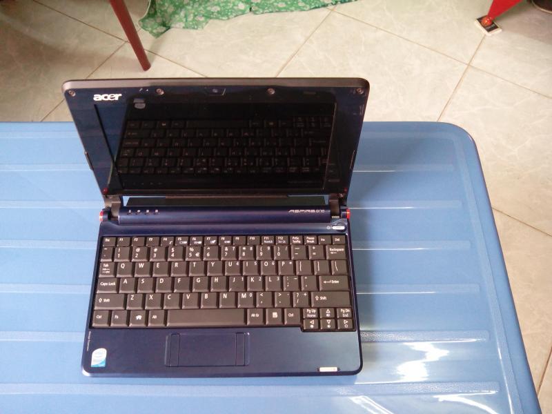 Cần bán laptop mini one Acer.