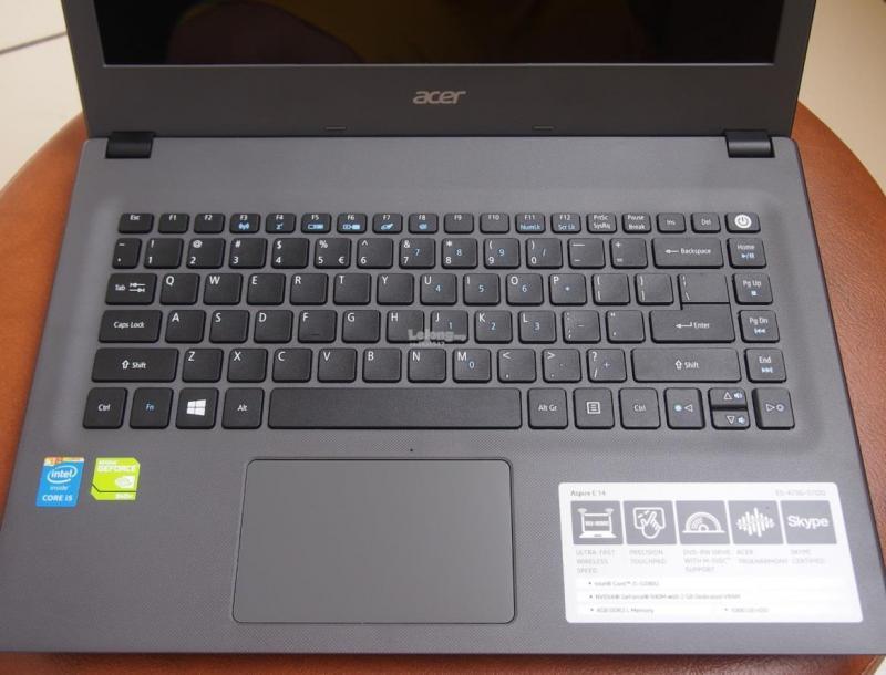 Cần bán 1 laptop acer gấp