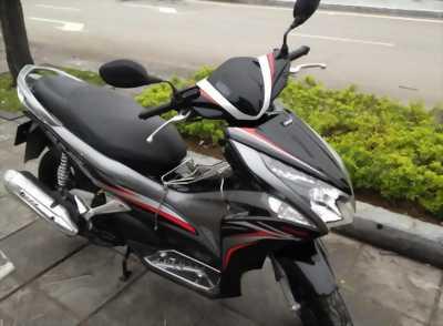 Honda Air Blade đầu to đen bạc 2013