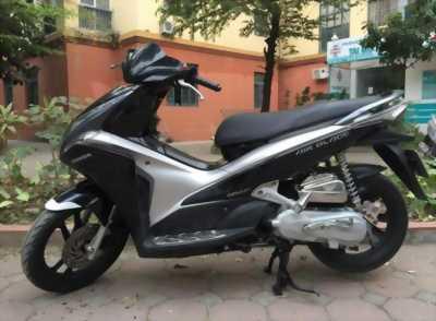 Honda Air Blade Fi màu đen bạc. 2011 ngay chủ bstp