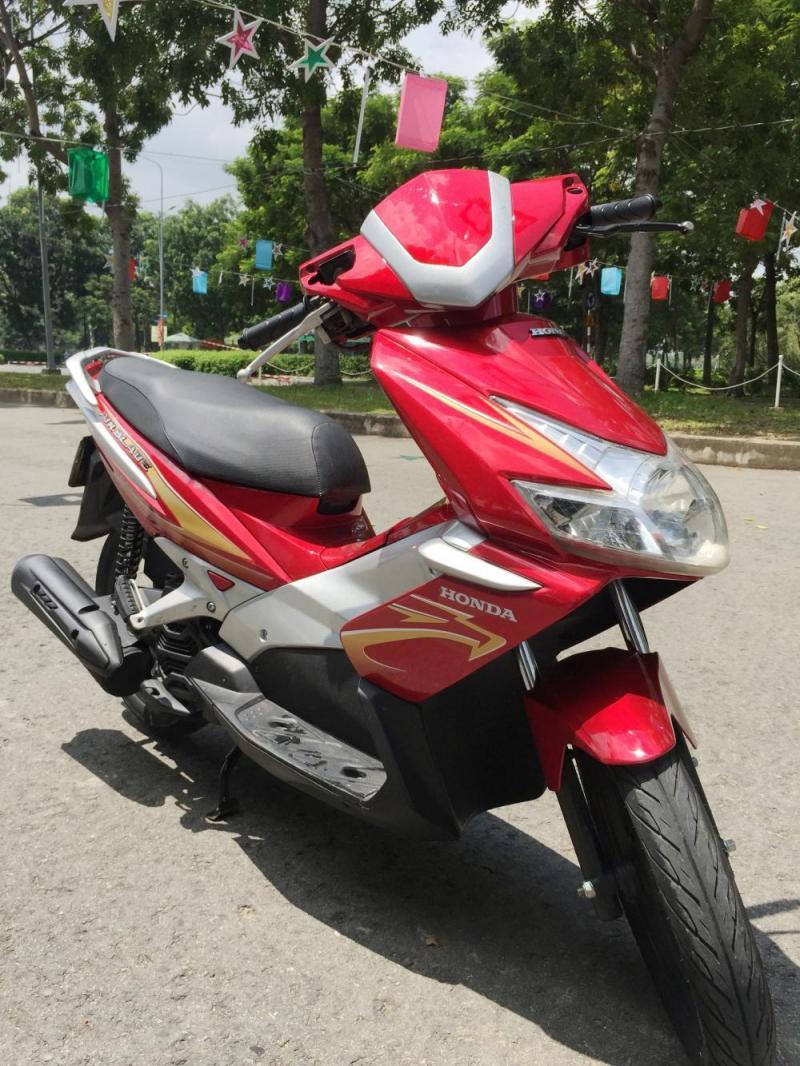 Honda Air Blade đỏ bạc chính chủ BS. TP.HCM tại quận 5