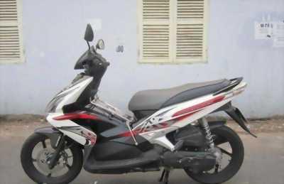 Honda Air Blade Fi màu trắng đen Thái nhập bán lại.