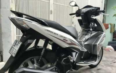 Honda AB 125 trắng xám còn mới tinh đây