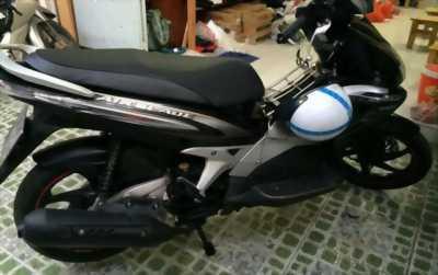 Cần bán xe AB 110 cc Fi màu đen bạc, chính chủ