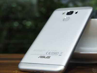 Asus Zenfone 3 ram 4g Trắng 64 GB Quận 12
