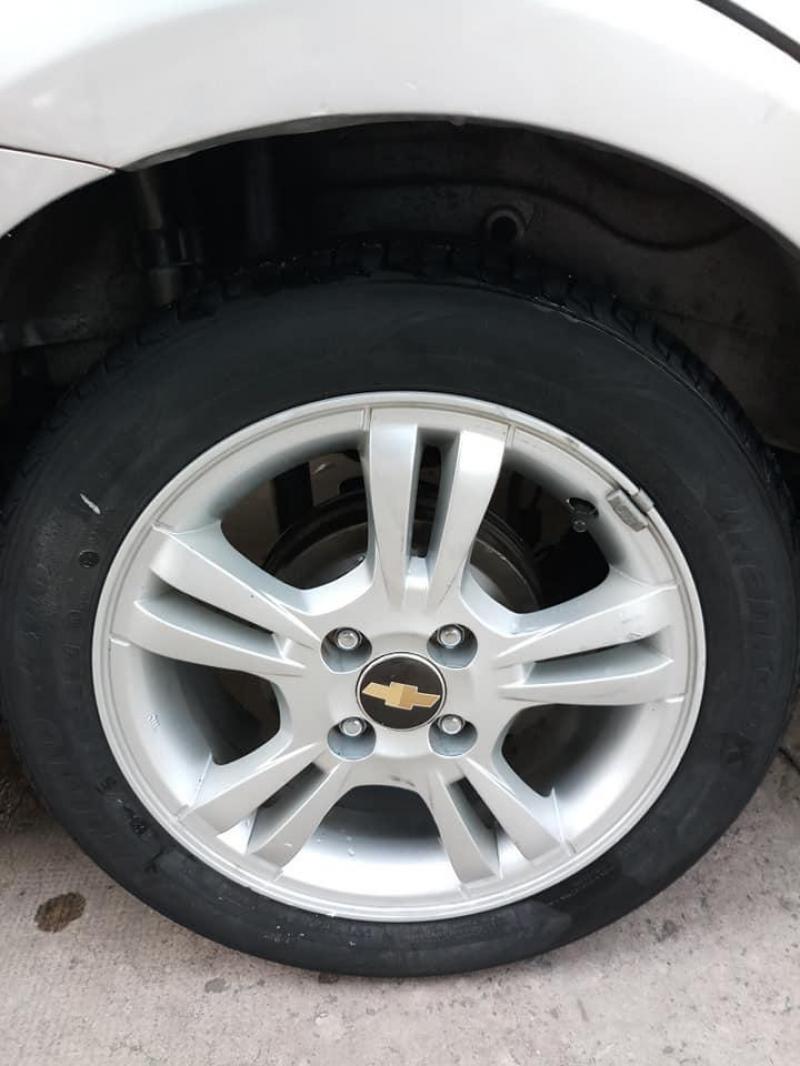 Cần bán xe Chevrolet Aveo bản LT đời 2017, số sàn, máy xăng