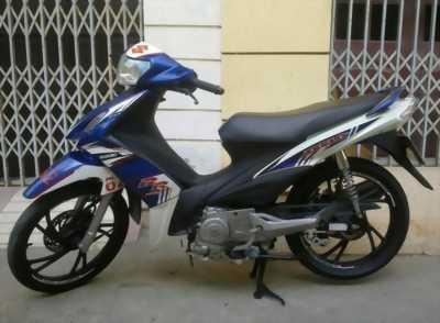 Suzuki Axelo trắng xanh Gp máy êm ngon huyện xuân lộc