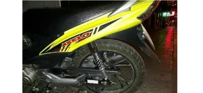 Mình cần bán gấp con Axelo 125cc côn tay, vàng đen đời 2014 giá rẻ và bền