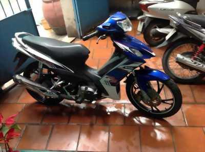 Suzuki Axelo 125 cc trắng xanh GP 2O15 chính chủ