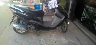 Xe Axelo màu đen khá hiếm
