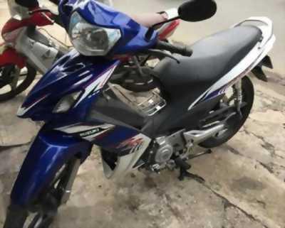 Cần bán lại chiếc Suzuki Axelo màu trắng xanh nguyên zin