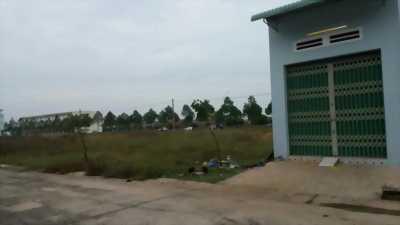 Bán gấp lô góc mặt tiền đường nhựa 300m2 đối diện trường học, bệnh viện, khu Công nghiệp