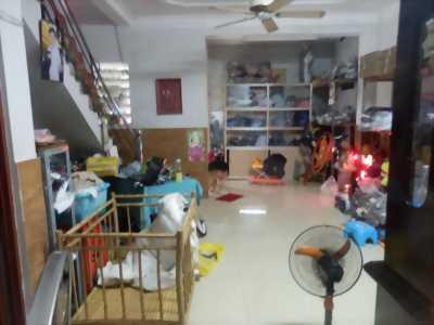 Bán nhà 1 trệt 1 lầu trung tâm quận Tân Phú ( giáp Tân Bình ), giá 1,8 tỷ ( còn thương lượng )