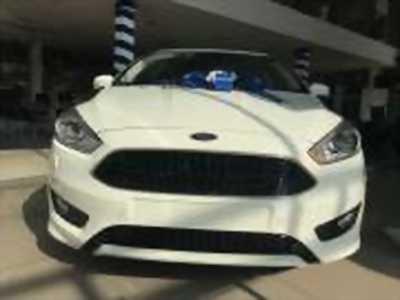 Bán xe ô tô Ford Focus Sport 1.5L 2018 giá 735Tr màu trắng.
