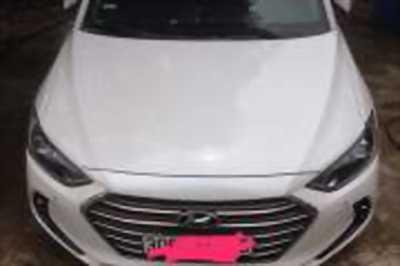 Bán xe ô tô Hyundai Elantra 2.0 AT 2016 giá 638 Triệu