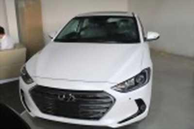 Bán xe ô tô Hyundai Elantra 2.0 AT 2017 giá 660 Triệu