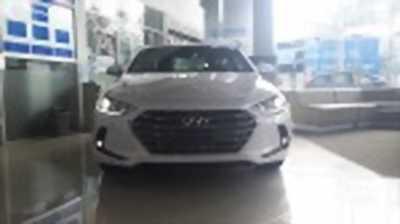 Bán xe ô tô Hyundai Elantra 2.0 AT 2018 giá 658 Triệu