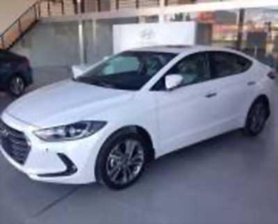 Bán xe ô tô Hyundai Elantra 2.0 AT 2018 ở Nhà Bè