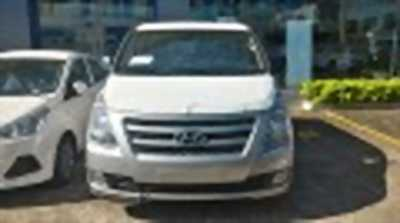 Bán xe ô tô Hyundai Grand Starex 2.4 MT 2017 giá 945 Triệu