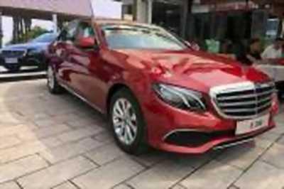 Bán xe ô tô Mercedes Benz E class E200 2018 giá 2 Tỷ 99 Triệu