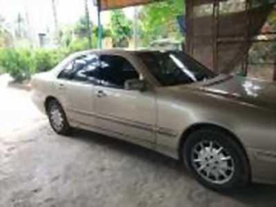 Bán xe ô tô Mercedes Benz E class E240 AT 2000 giá 215 Triệu