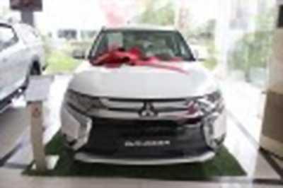 Bán xe ô tô Mitsubishi Outlander 2.0 CVT Premium 2018 giá 909 Triệu