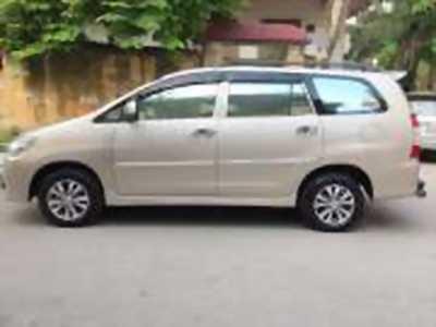 Bán xe ô tô Toyota Innova 2.0E 2015 giá 576 Triệu