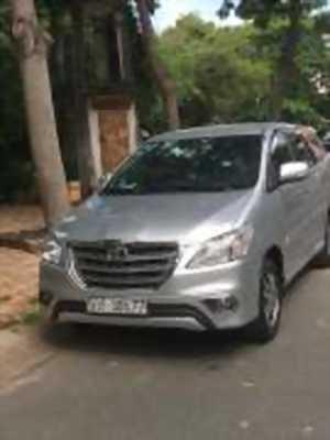 Bán xe ô tô Toyota Innova 2.0E 2015 giá 585 Triệu
