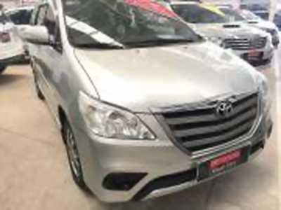 Bán xe ô tô Toyota Innova 2.0E 2015 giá 640 Triệu