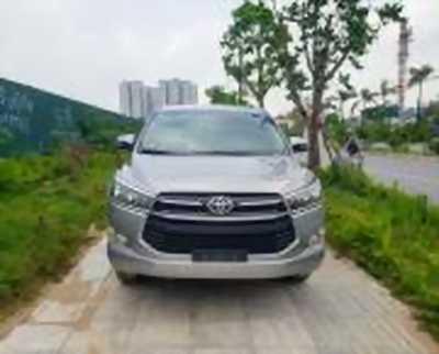 Bán xe ô tô Toyota Innova 2.0E 2016 giá 700 Triệu