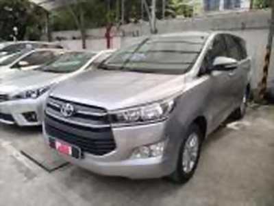 Bán xe ô tô Toyota Innova 2.0E 2016 giá 735 Triệu