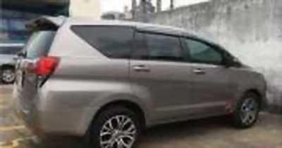 Bán xe ô tô Toyota Innova 2.0E 2016 giá 762 Triệu