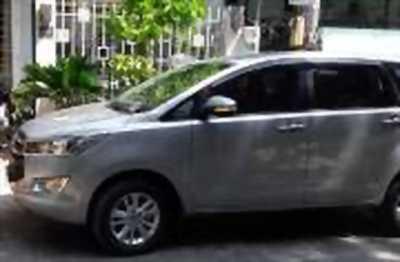 Bán xe ô tô Toyota Innova 2.0E 2017 giá 696 Triệu