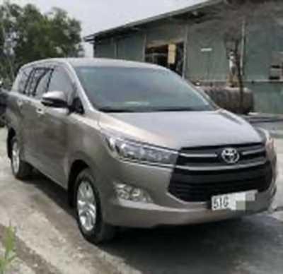 Bán xe ô tô Toyota Innova 2.0E 2017 giá 722 Triệu