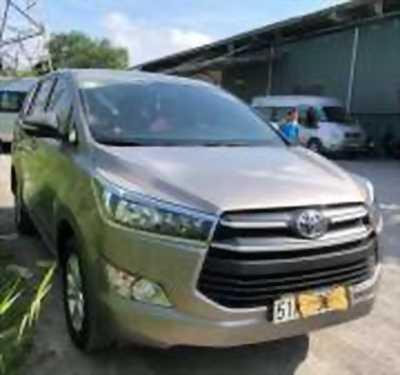 Bán xe ô tô Toyota Innova 2.0E 2017 giá 725 Triệu