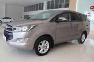 Bán xe ô tô Toyota Innova 2.0E 2017 giá 729 Triệu quận phú nhuận