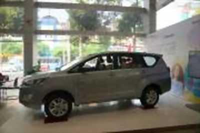 Bán xe ô tô Toyota Innova 2.0E 2018 giá 700 Triệu