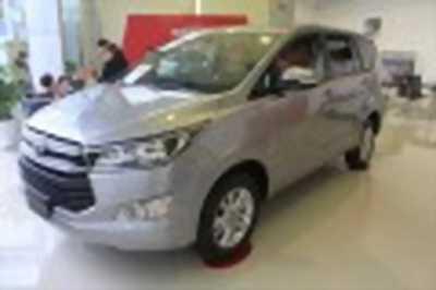 Bán xe ô tô Toyota Innova 2.0E 2018 giá 723 Triệu