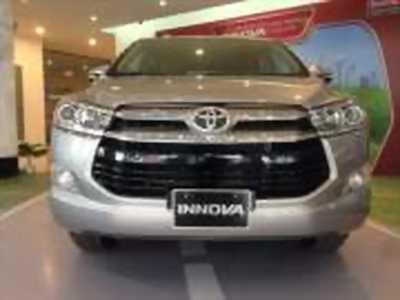 Bán xe ô tô Toyota Innova 2.0V 2018 giá 863 Triệu