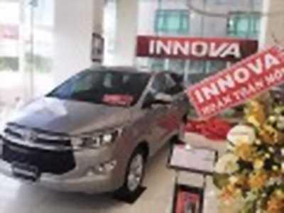 Bán xe ô tô Toyota Innova 2.0V 2018 giá 920 Triệu