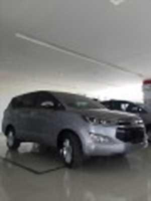 Bán xe ô tô Toyota Innova 2.0V 2018 giá 945 Triệu