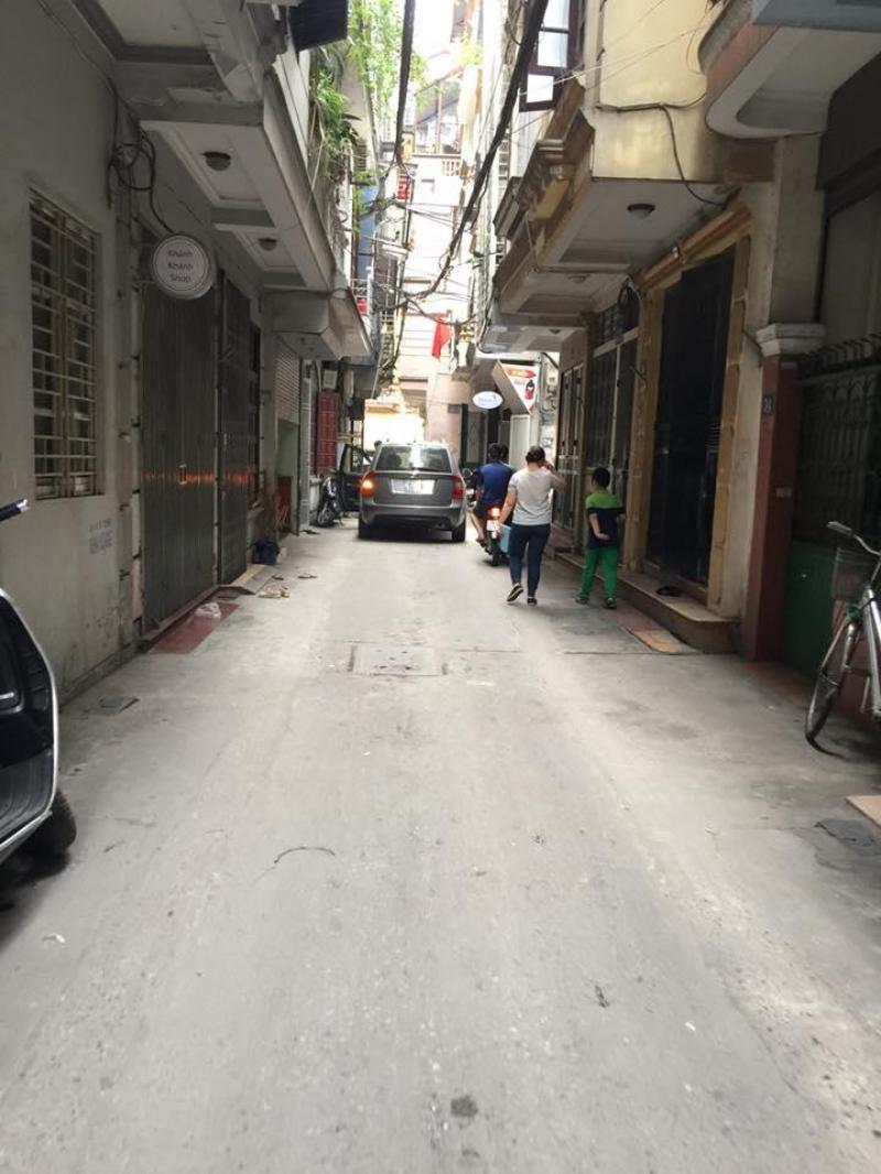 Bán đất tặng nhà, ô tô đỗ cửa phố Hào Nam vị trí quá đẹp.