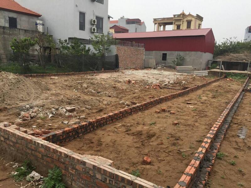 Bán gấp 4 lô đất mặt tiền đường Thanh Niên Hóc Môn, SHR, giá 10tr/m2
