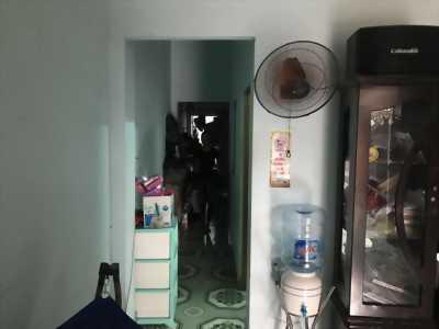 Nhà có gác gỗ đường 168, Phước Long A, QUận 9