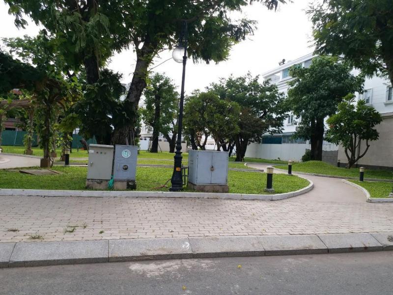 Biệt thự 1 trệt 2 lầu, mt Quốc Lộ 1A, Bình Chánh