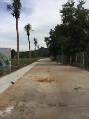 Bán gấp đất mặt tiền đường Nguyễn Trung Trực, PQ