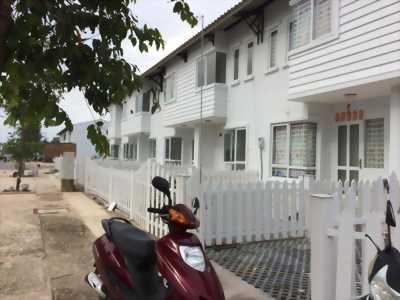 Bán nhà phố 1 trệt 1 lầu có sân vườn Nhơn Trạch Đồng Nai